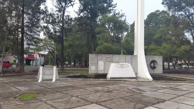 Monumento al periodista, historiador y político Clemente Marroquín Rojas