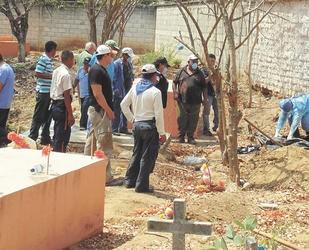 Más de 200 excavaciones infructuosas se hicieron en diferentes lugares en búsqueda de los restos de Cristina. Hasta que se dieron por vencidos.